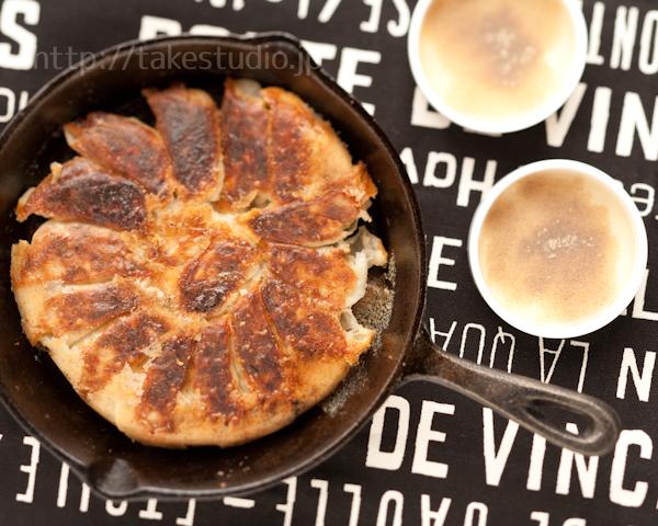 酢と胡椒で食べる焼き餃子