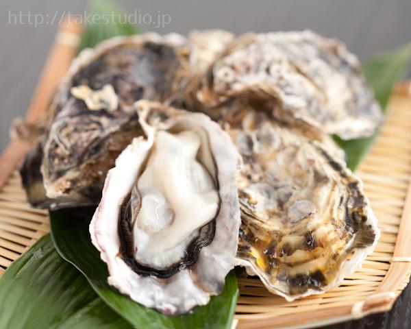 ざる盛りの生牡蠣